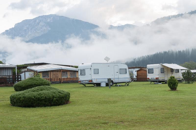 caravans-1