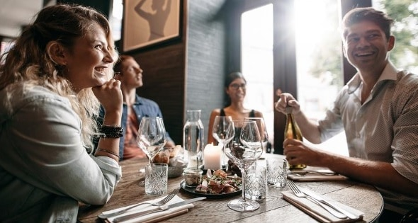 How It's Possible to Eat Out and Save Money